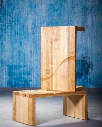Jasanový konferenční stolek