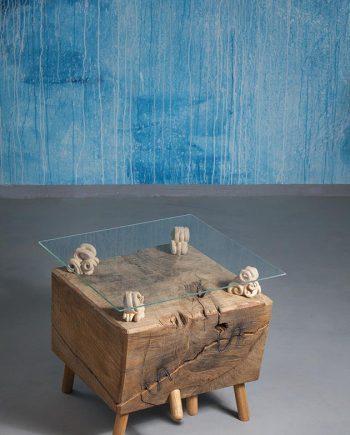 Umělecký konferenční dubový stůl s lipovou dřevořezbou