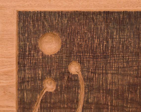 Detail vyřezávaných dvířek