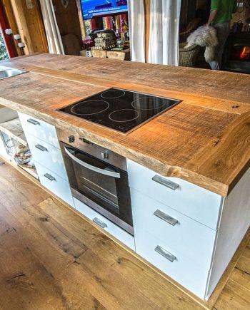 Dubová deska volně stojící kuchyňské linky